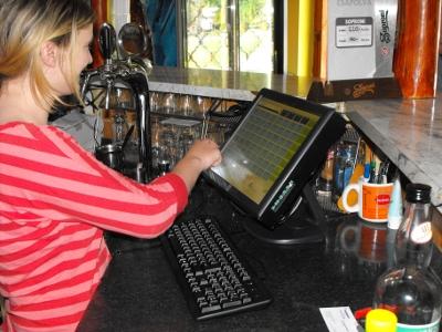 vendéglátó szoftver borozóba söröző szoftver vendéglátó programok kávézó elszámoltató rendszerek vendéglátó programok éttermi szoftverek éttermi program pincér program vendéglátóipari rendszer étterem szoftver